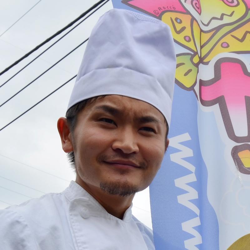 大好評 タク'sキッチン 他社の追随を許さない手作り特製ランチ カッパCLUB最大の売りの一つ「ランチ&デザート」はこの男が作る